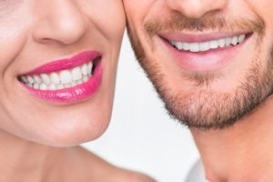 best fresh breath - couple with great teeth smiling